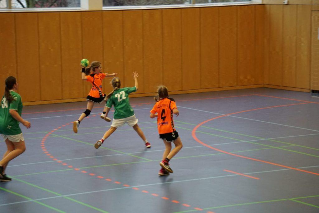 Ist der Handball–Hype schon wieder vorbei? Die weibliche E-Jugend der SGSW hat was dagegen!