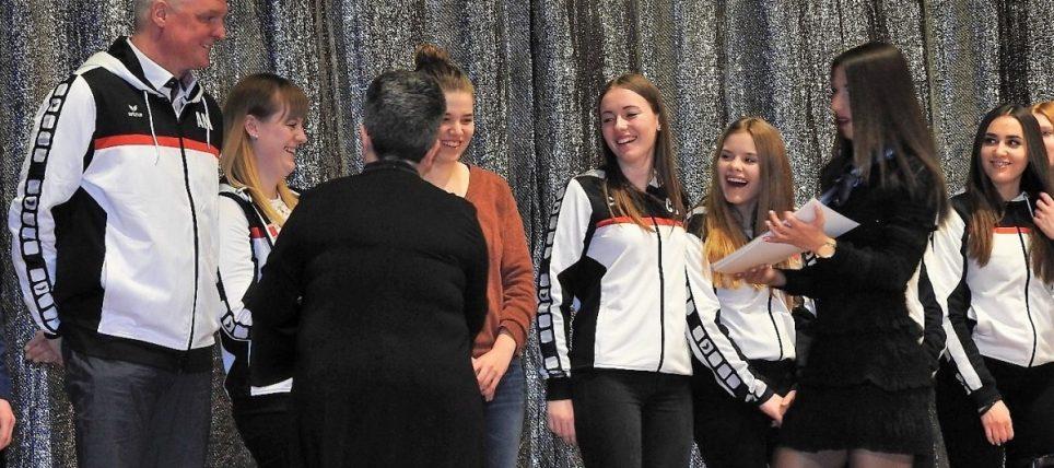 BWOL Team weibliche B-Jugend erhält Auszeichnungen durch die Stadt Stutensee für ihre außerordentlichen sportlichen Leistungen